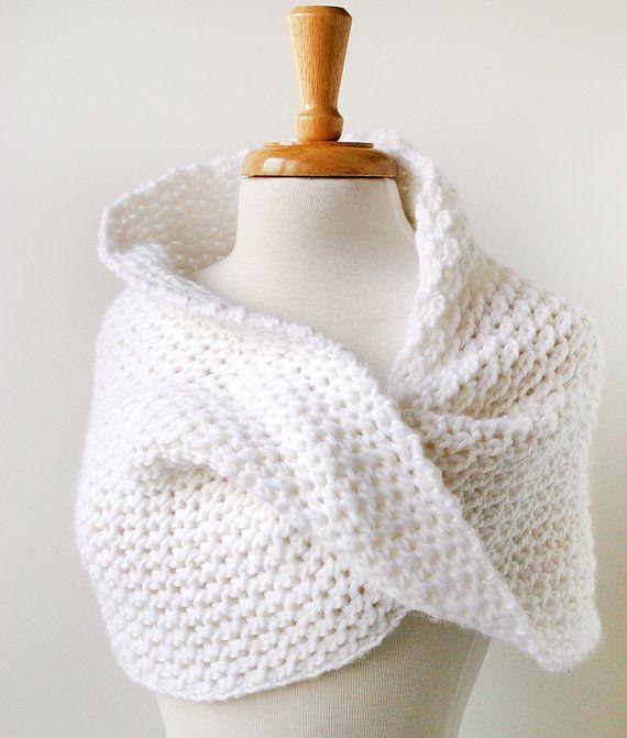Hand-knit shoulder wrap in ivory merino wool | cuellos | Pinterest
