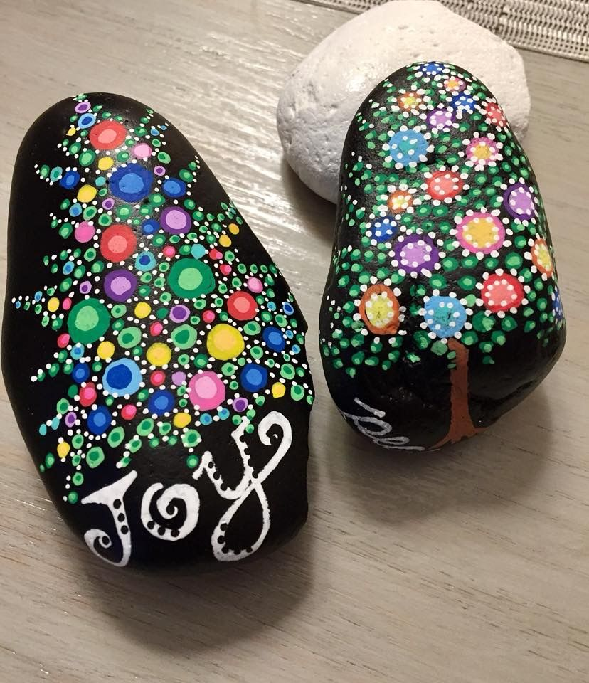 Christmas Tree Mandala Stone Mandala Rock Art Rock Crafts Rock Painting Ideas Easy