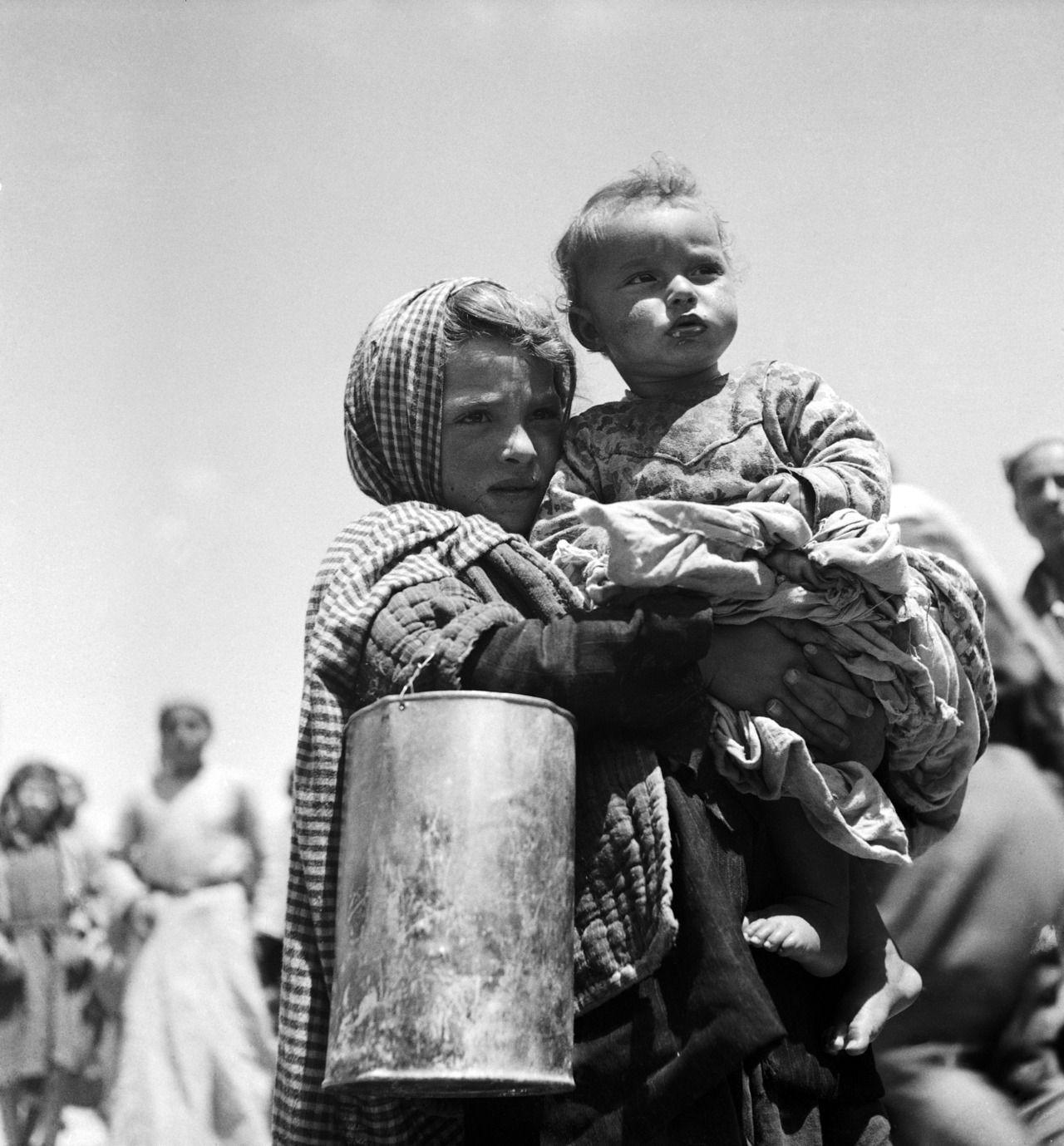 مسافر زاده الخيال Tanyushenka Photography A Palestinian Refugee Photography We The People Baby Brother