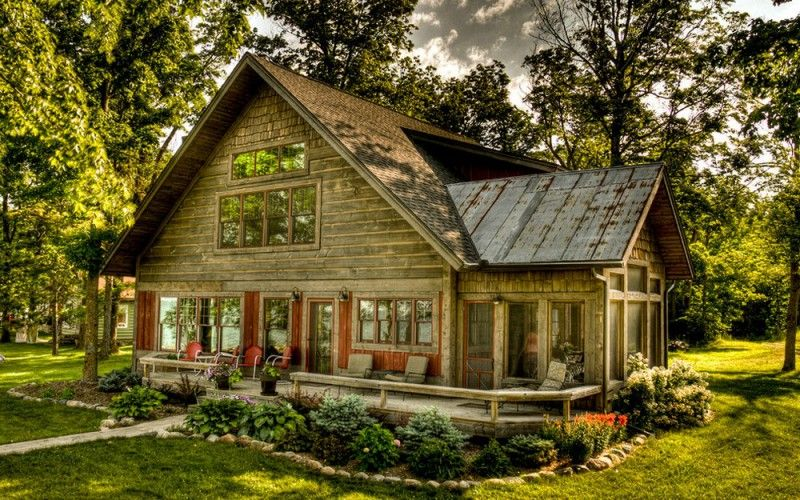 A Wooden Wonder Fantastic Farmhouse In Minneapolis Rustic Exterior Rustic Cottage Rustic House