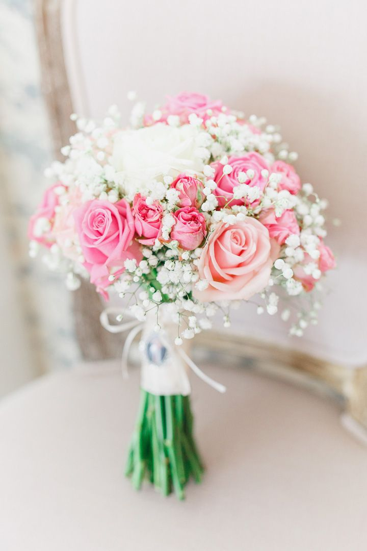 Beautiful spring wedding bouquet ideas | Soft pink and white Wedding bouquet | Roses and gypsy wedding bouquet | fabmood.com #weddingbouquet #bridalbouquet #pinkbouquet #bouquet