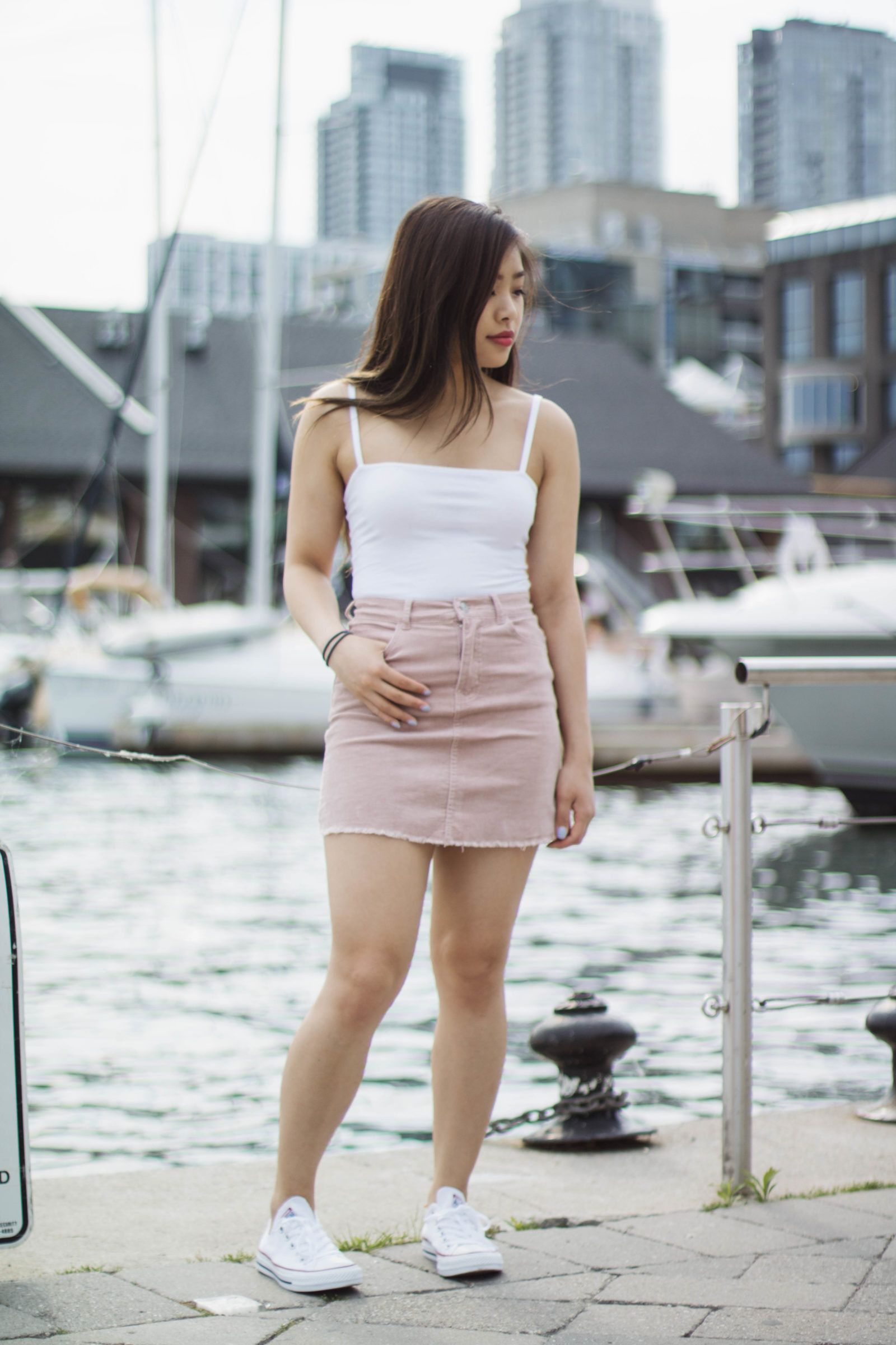 8a8af45713df Summer Couple Outfits with Converse