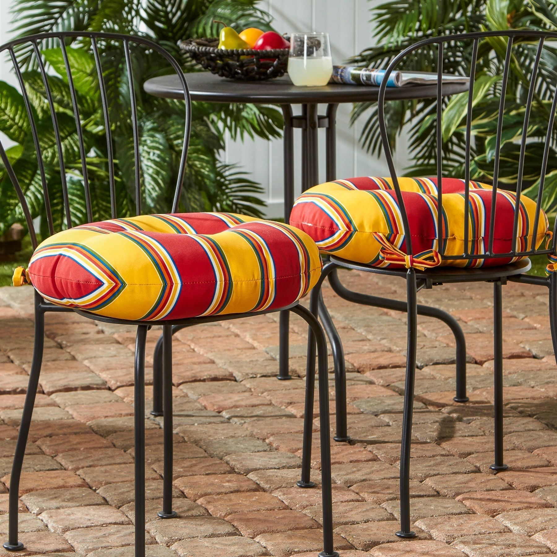18-inch Round Outdoor Carnival Bistro Chair Cushion (Set of 2 ...