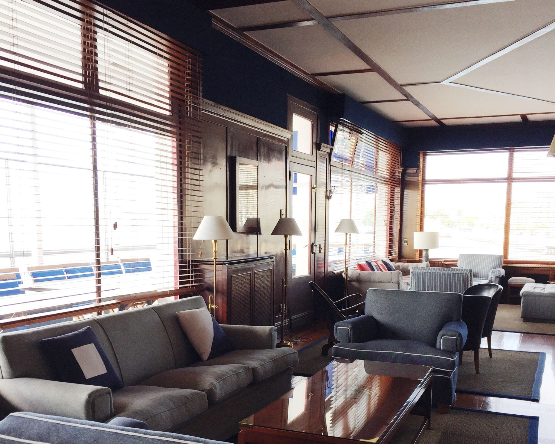 #studio #garden #housedecoration #interiorprojects #homeandcontract #homeandgarden #interiordesigner #interiorstyle #homeandcontract #homedecor #lamouche #lamouchefurniture #santander #sailingclub