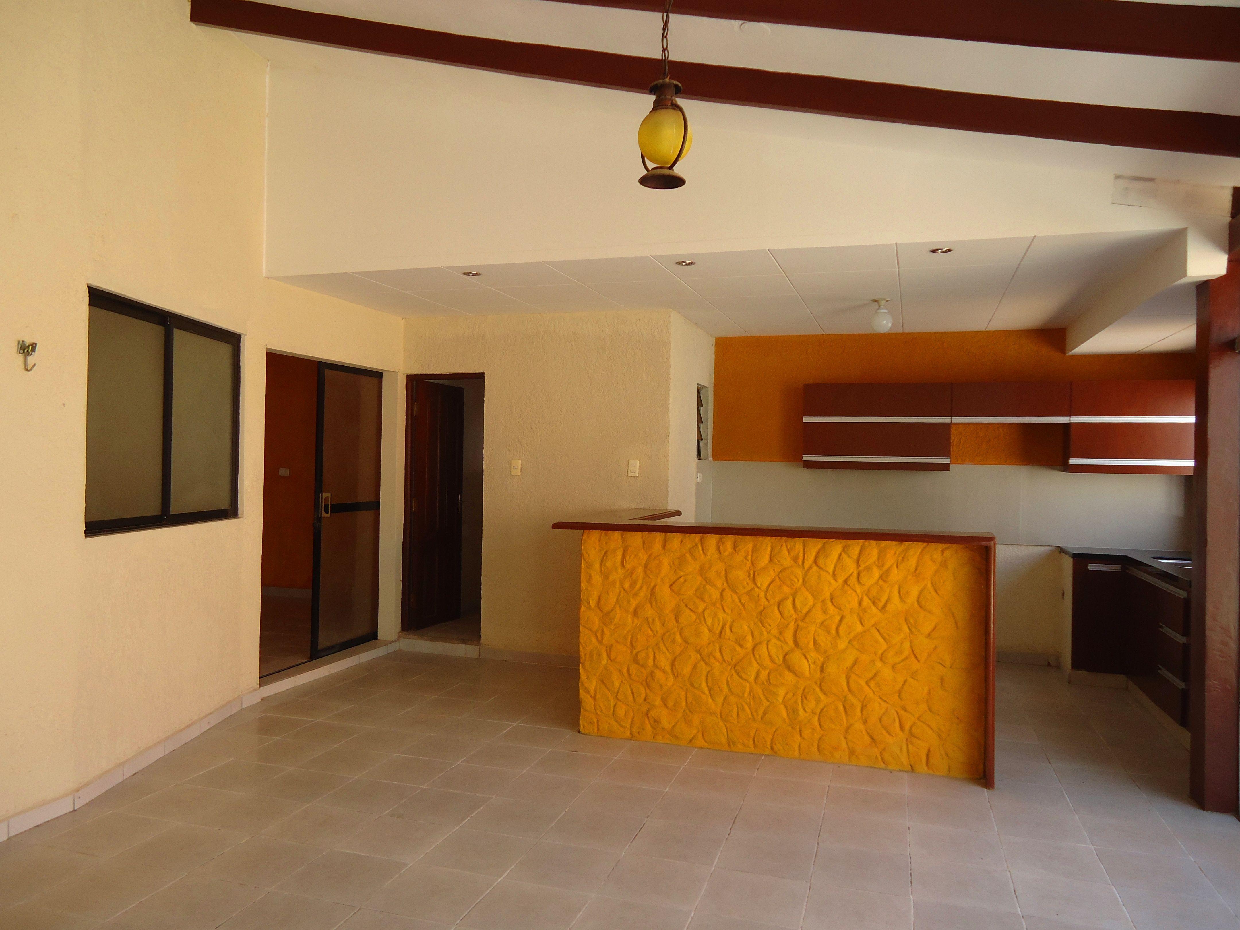 REF CEL75008834Santa CruzBolivia Casas en venta