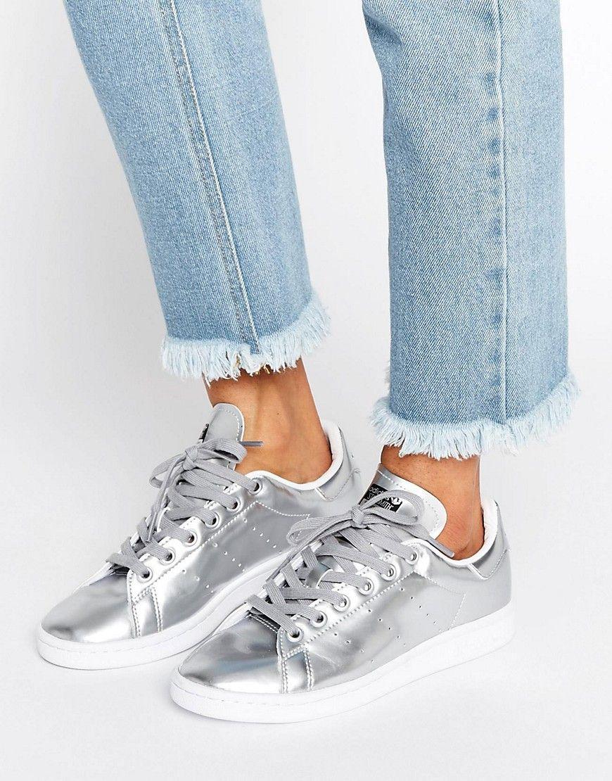 Compra Deportivas de mujer color plata de Adidas al mejor precio. Compara  precios de zapatillas de tiendas online como Asos - Wossel España