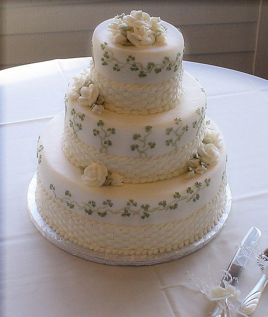 Wedding Cakes Inspired By China Patterns: Queen Of Cakes Shamrock Cake