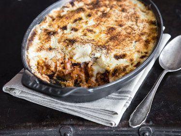 moussaka fuer die einen ist es auberginen hack auflauf fuer die anderen lasagne auf griechisch Moussaka: Für die einen ist es Auberginen-Hack-Auflauf, für die anderen 'Lasagne auf Griechisch' -