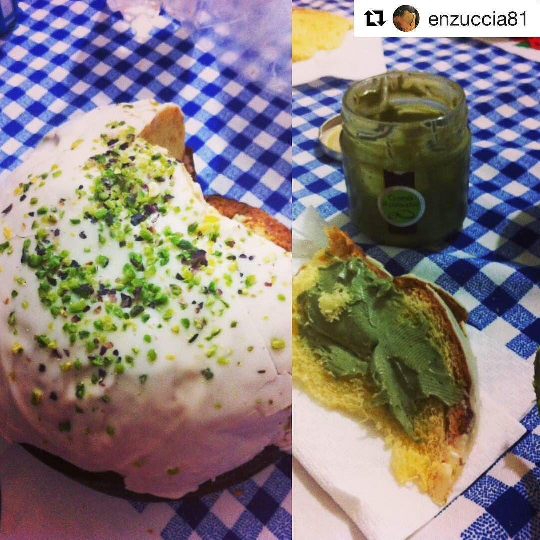 ...che #Natale è senza #PanettoneAlPistacchio #Sciara??  #SciaraPistacchio #SciaraLovers #SoloCoseBuone #MadeInSicily #foodie #tasty #delicious #PiattiItaliani #NataleAlPistacchio #ig_food #ig_catania #foodigers  #Repost @enzuccia81 with @repostapp  Passione pistacchio #sciara #sicilia #pistacchiodibronte #foodporn #chiatta