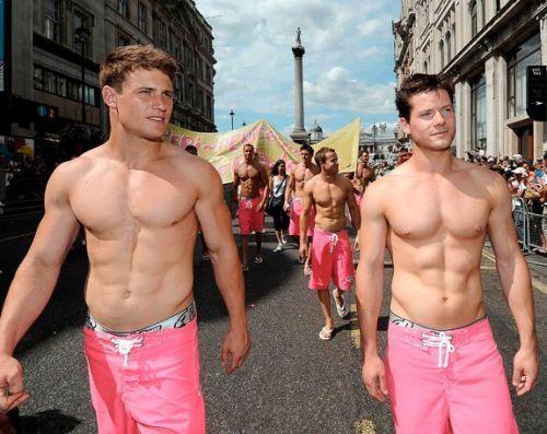 Мужчина по вызову москва гей фото 484-332