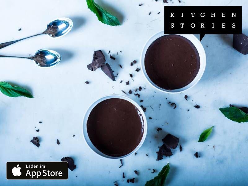 Ich koche Schneller Schokopudding mit Kitchen Stories. Einfach köstlich! Hol dir jetzt das Rezept: https://kitchenstories.io/recipe/schneller-schokopudding