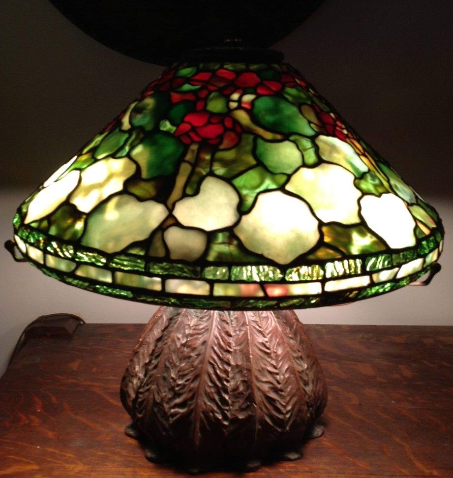 Tiffany Geranium Shade Made By Joanne Leary Stained Glass Rose Stained Glass Lamp Shades Stained Glass Lamps
