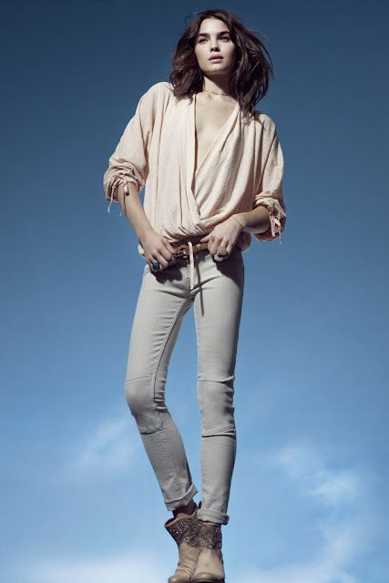 Like this sleek and soft casual look and the boots make it complete for me.