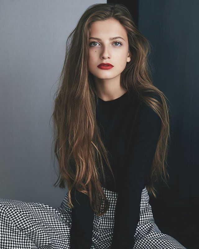 Zoe Pastelle Holthuizen In 2020 Hair Inspiration Style Hair Beauty