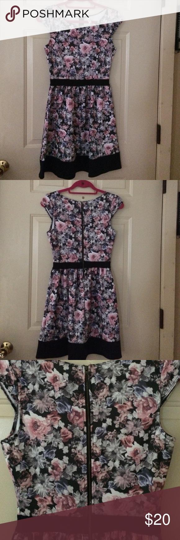 Nwot Floral Dress Floral Dress Dresses Clothes Design [ 1740 x 580 Pixel ]