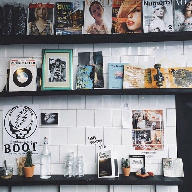 We love this dreamy shot of one our favourite local cafés in #Paris' #LeMarais  neighbourhood - @bootcafe. |  by @lynnkostelny