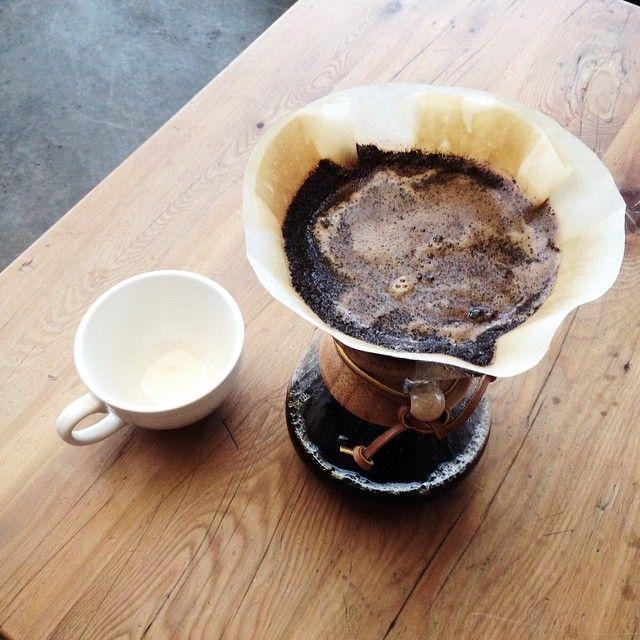 Happy Hump Day everyone. #Chemex #pourover #coffeeyouneed #coffee #coffeelove #coffeefix #coffeesesh #coffeeshots #coffeegram #blackcoffee #humpday