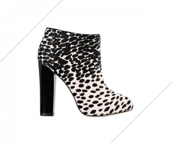 Monochrome Boots for Fall | In Fashion Chicago