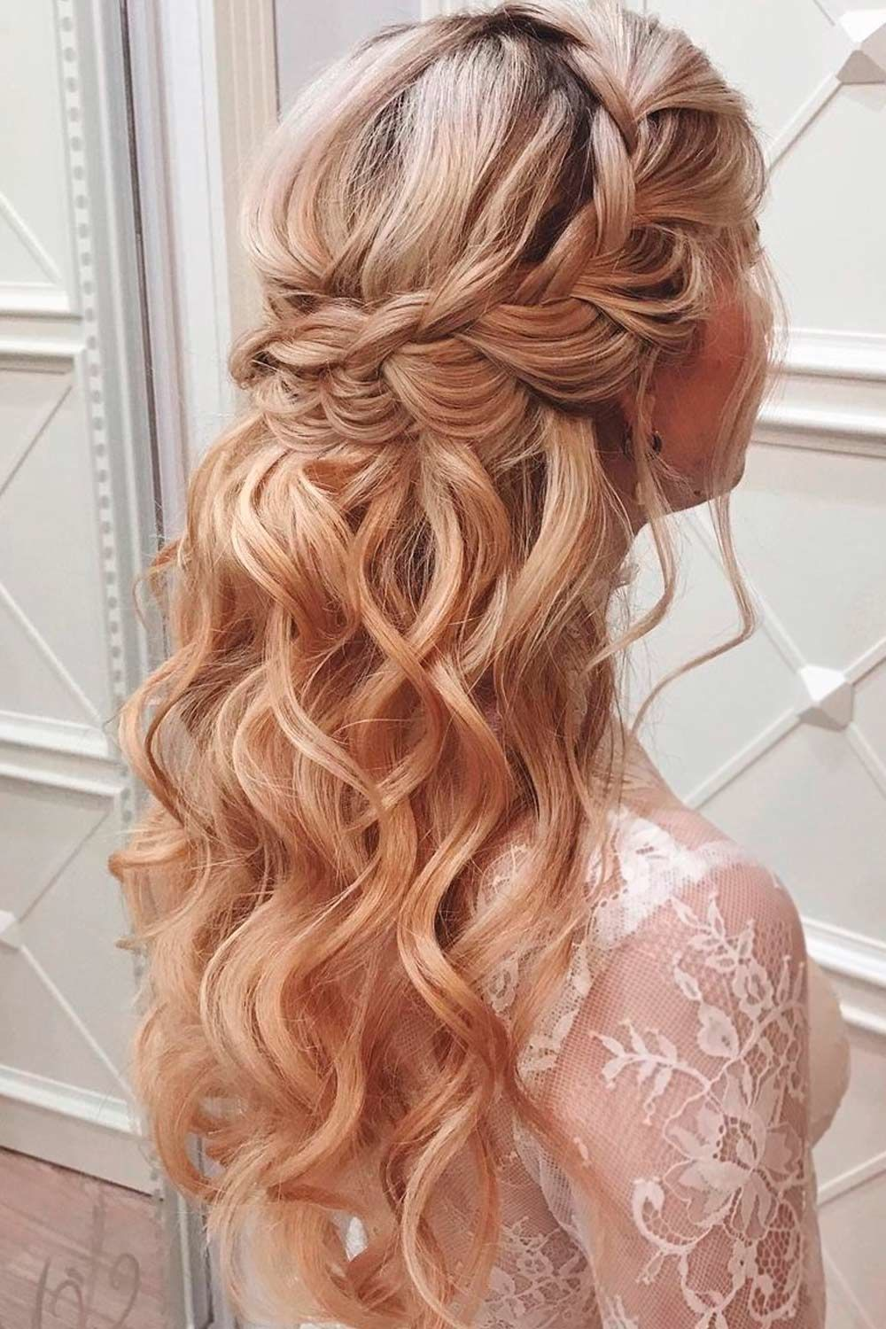 Hairstyles Christmas 2021 Nice Holiday Half Up Hairstyles For Long Hair Lovehairstyles Com In 2021 Hair Styles Half Up Hair Down Hairstyles For Long Hair