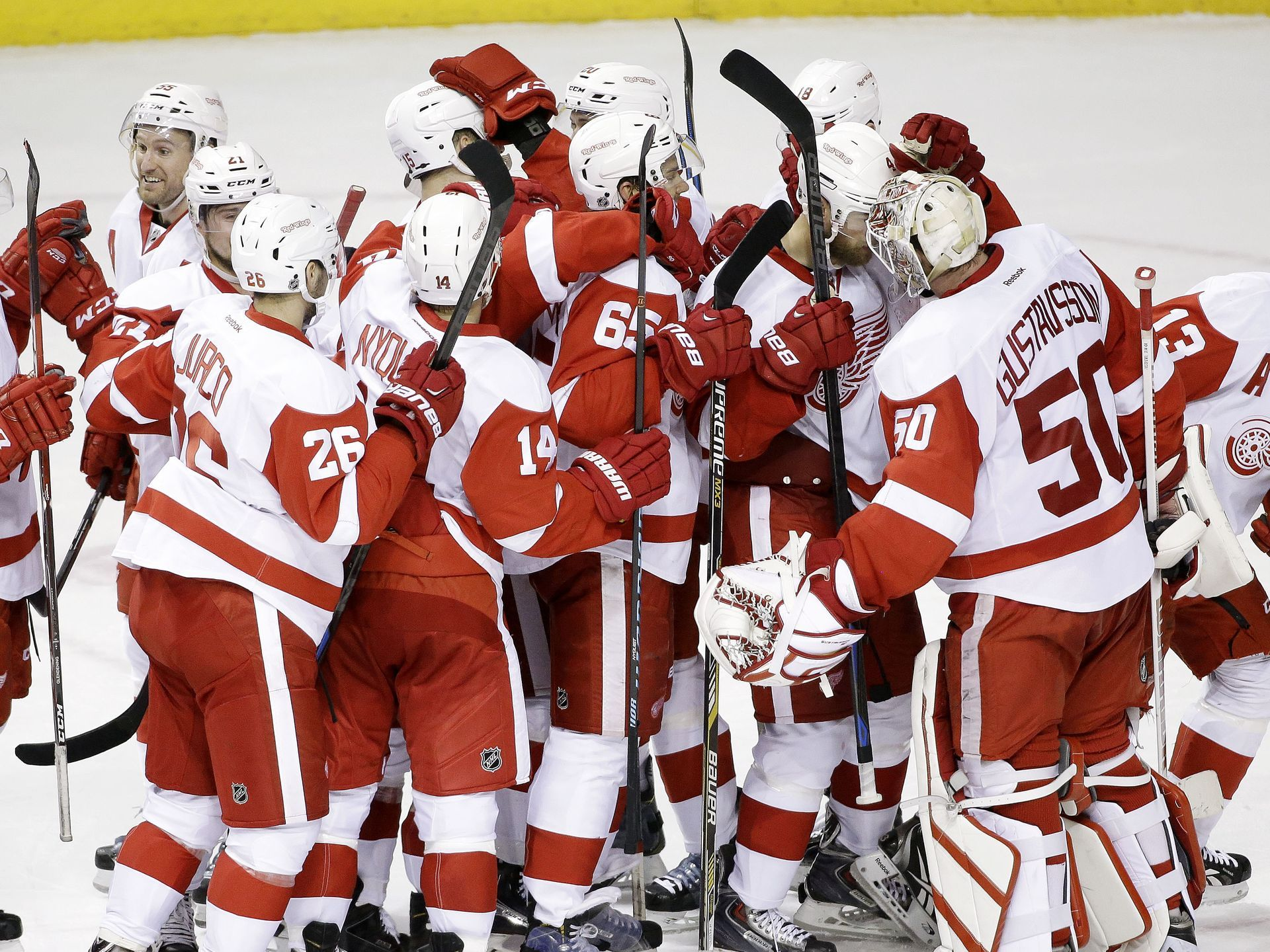 Detroit 4, Nashville 3 Red Wings pull off comeback at
