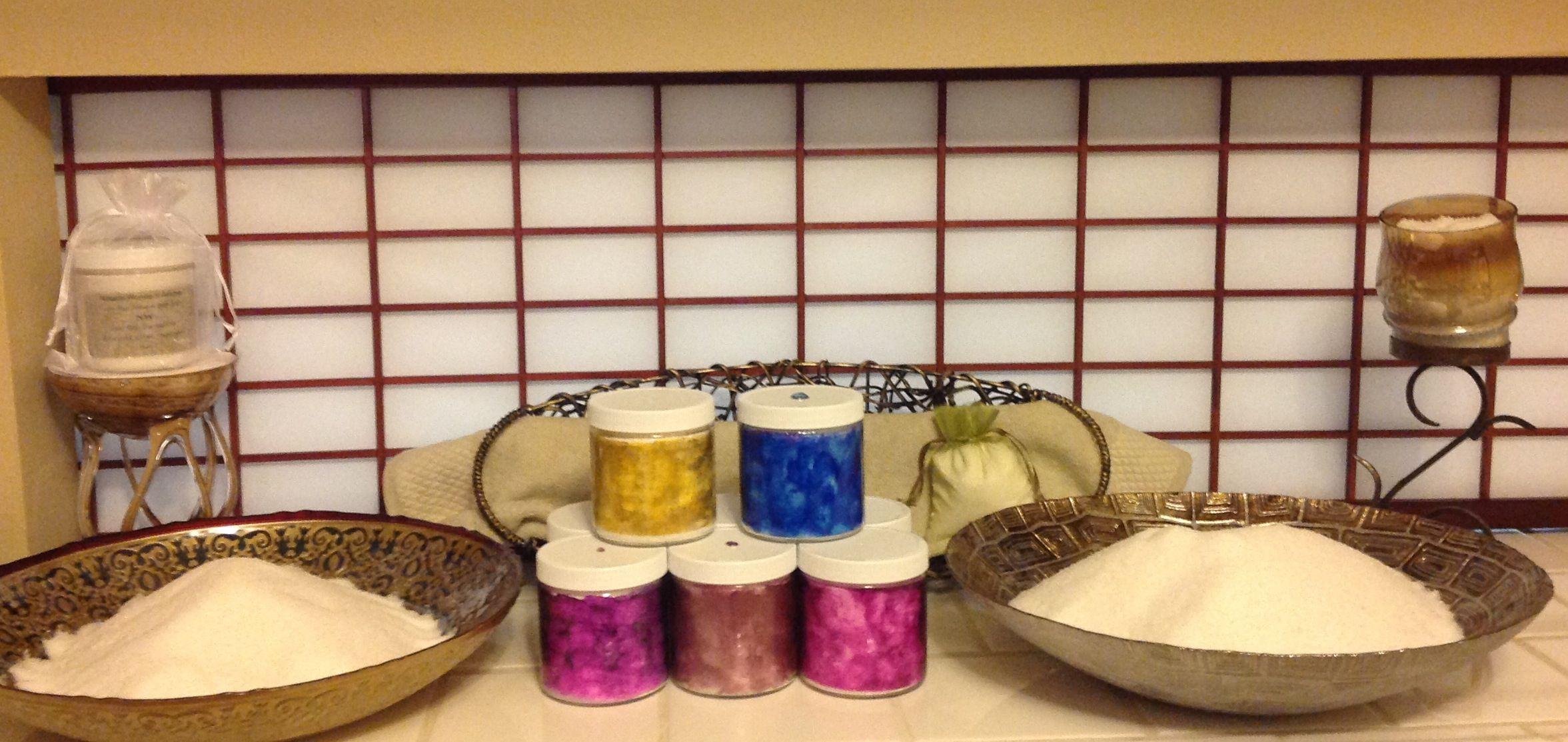 Peppermint, Eucalyptus, Chamomile, Lavender, Ginger, Spearmint, Lime, Geranium, Cedar-wood, Lemongrass choose your scents.