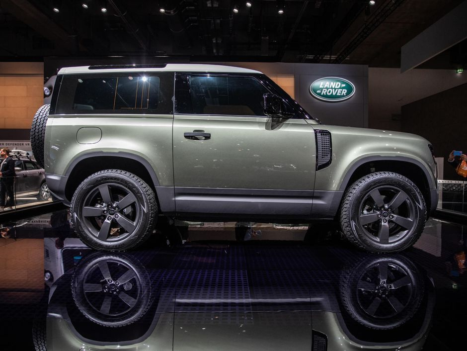 2020 Land Rover Defender Looks Like An Angry Little Bulldog In 2020 Land Rover Defender Land Rover New Land Rover