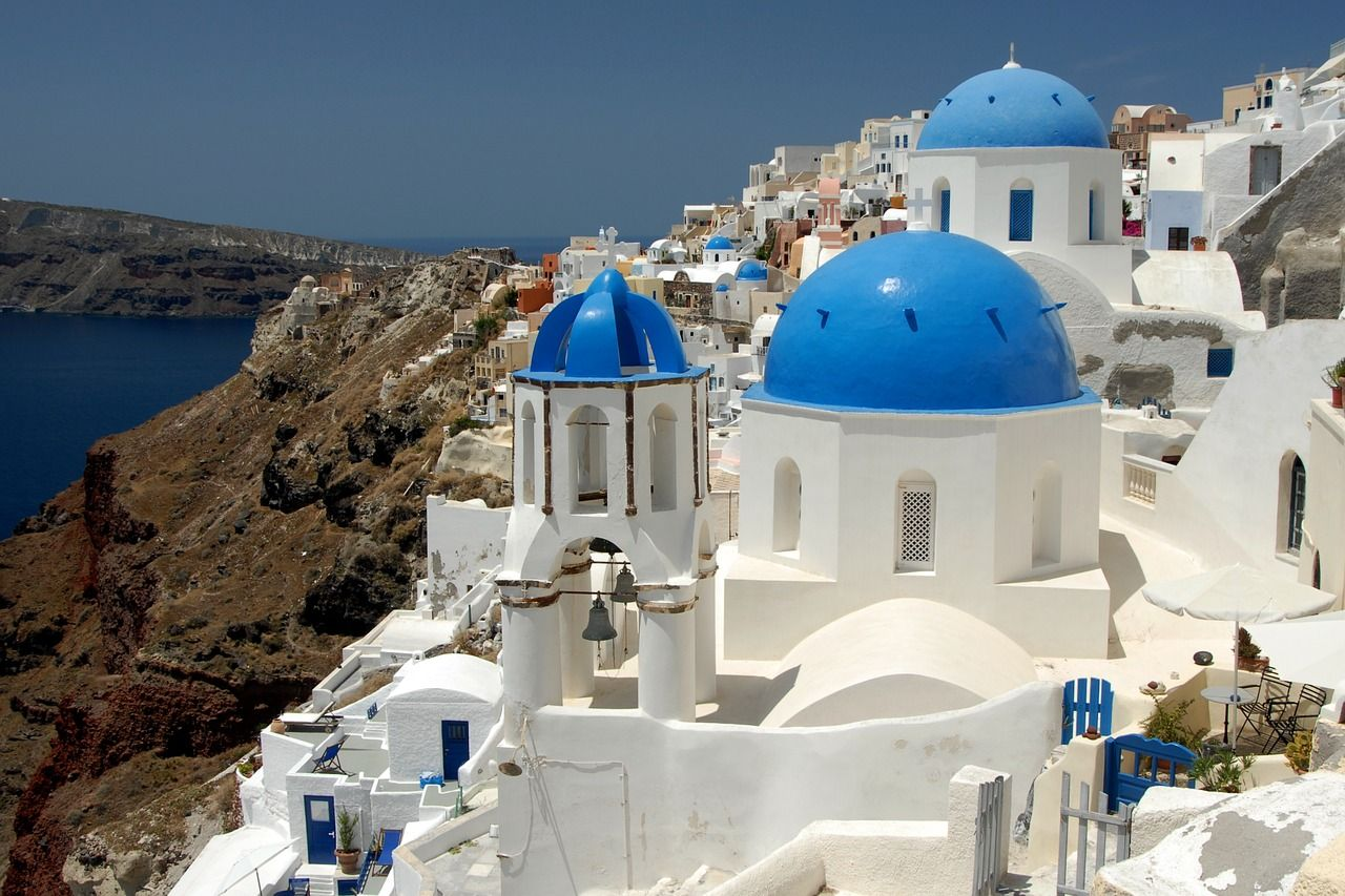 Discover The Stunning Island of Santorini   Guide to TravellingGuide to Travelling