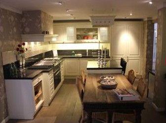 341. klassieke keuken met eiland. maten op aanvraag. luxe boretti