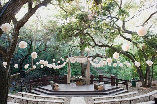 20 Hochzeitspapeterie Pom Poms Luftballone Altar Wald Hochzeit
