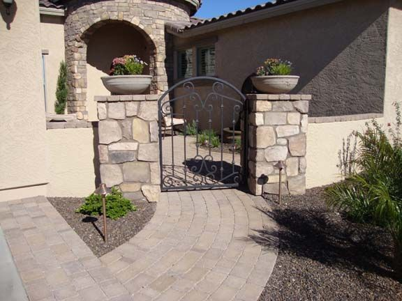 Front courtyard patios front courtyard with fountain and for Courtyard driveway house plans