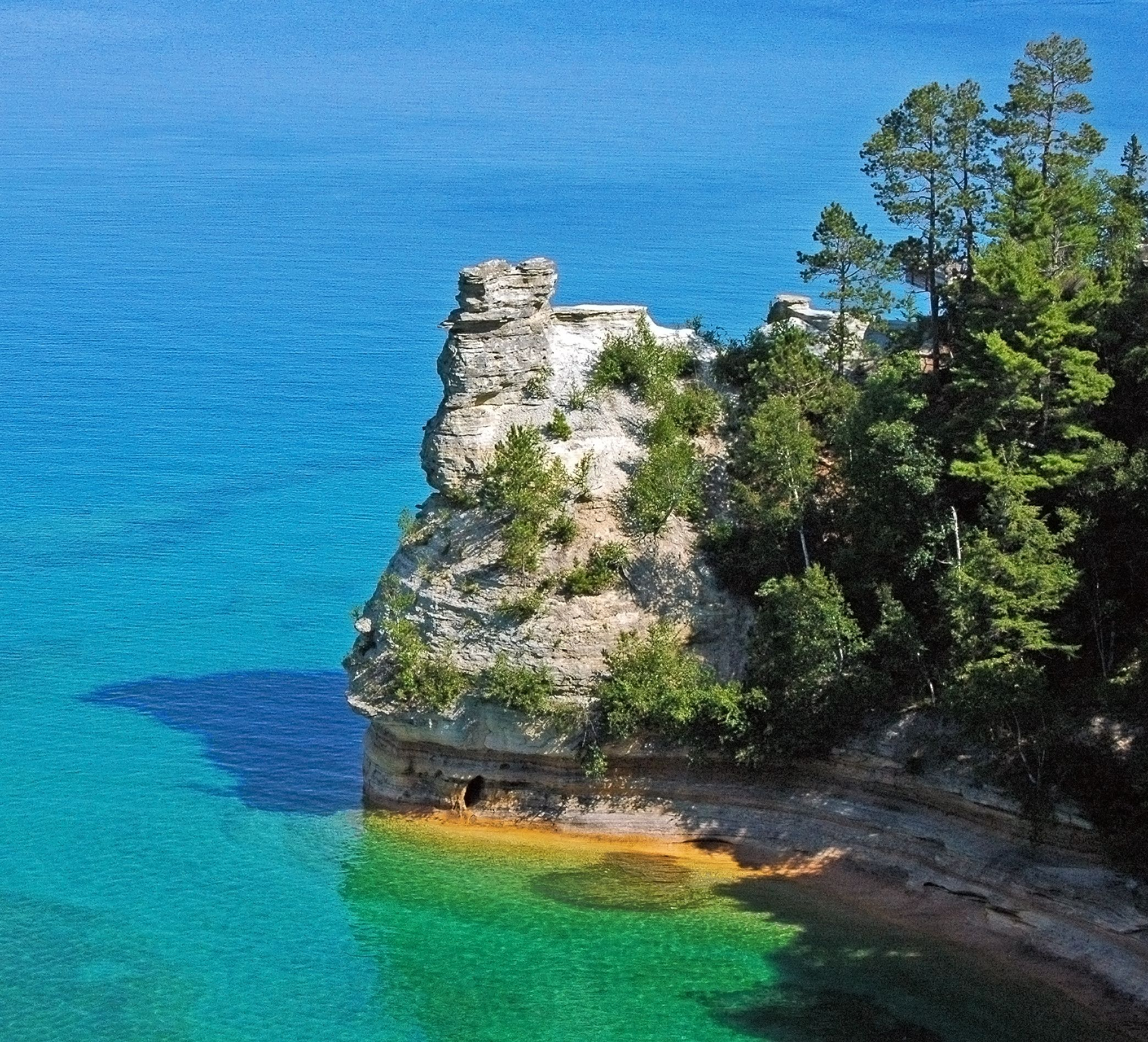 5 Things That Can Only Be Found In Michigan S Upper Peninsula Pictured Rocks National Lakeshore Picture Rocks Pictured Rocks Michigan
