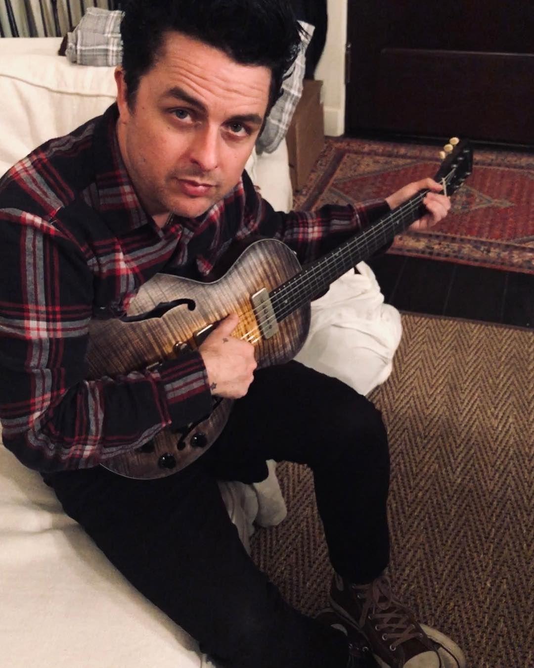 Birthday beauties 🌟 wide_sky_guitars thank you! Green