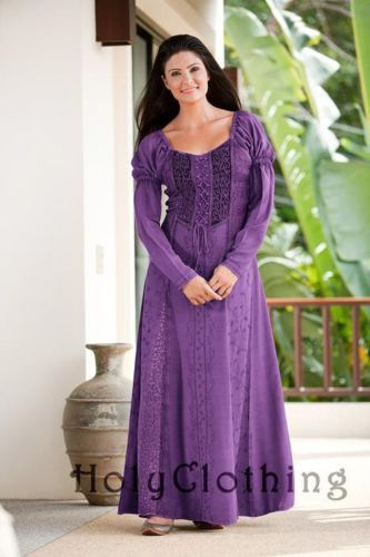 """Love this dress for a medieval peasant, maid, or even an """"everyday"""" dress for a princess!"""