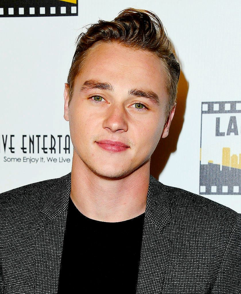 Pin by M Clair on People I adore | Ben hardy, Benjamin