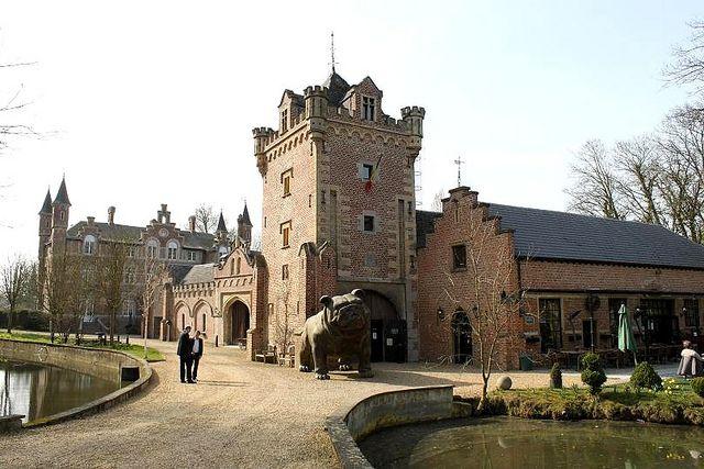 Chateau De La Motte Cool Places To Visit Travel Sights Places To Go