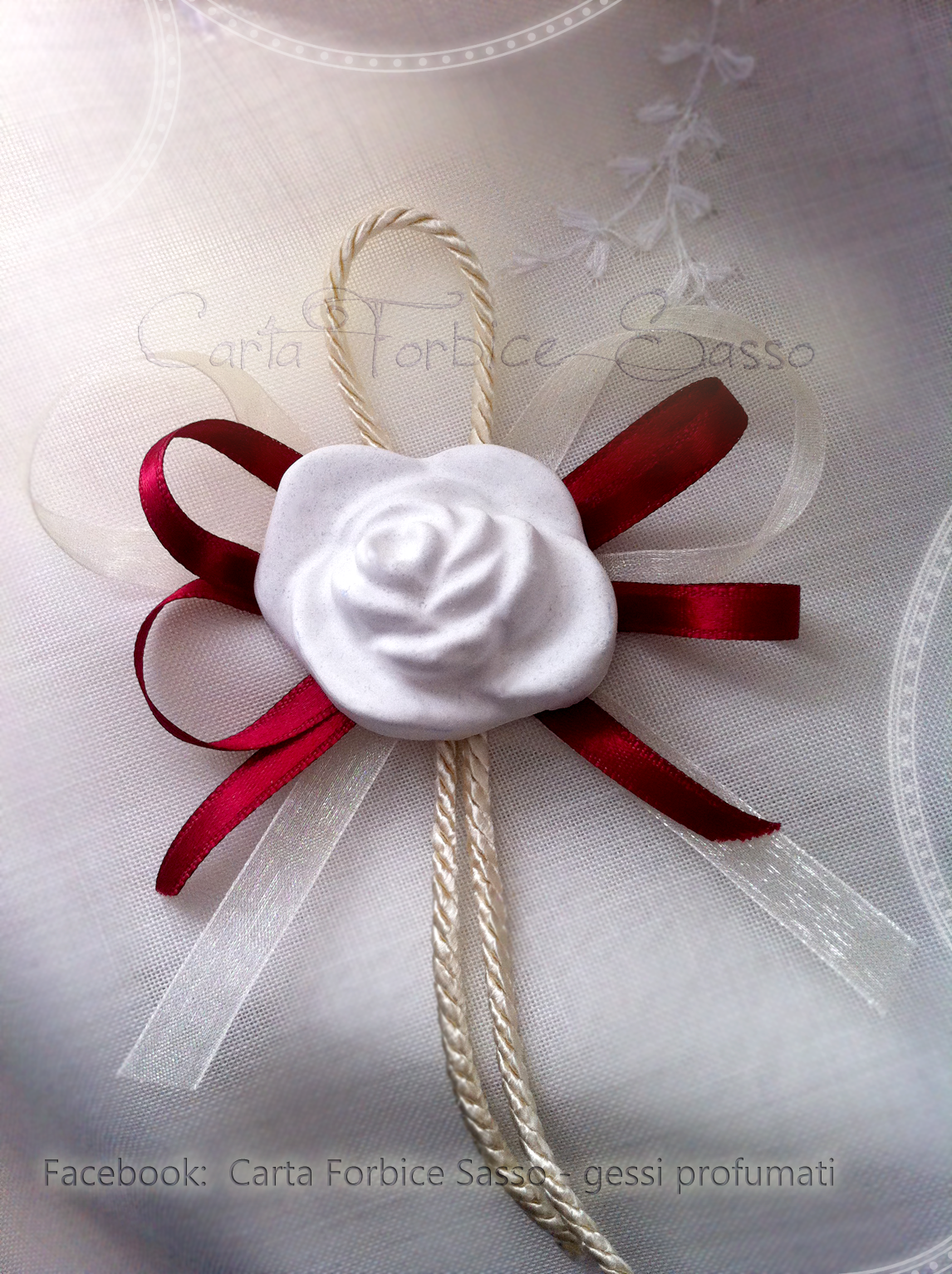 Segnaposto Matrimonio Natalizio : Segnaposto matrimonio con cordoncino raso e organza