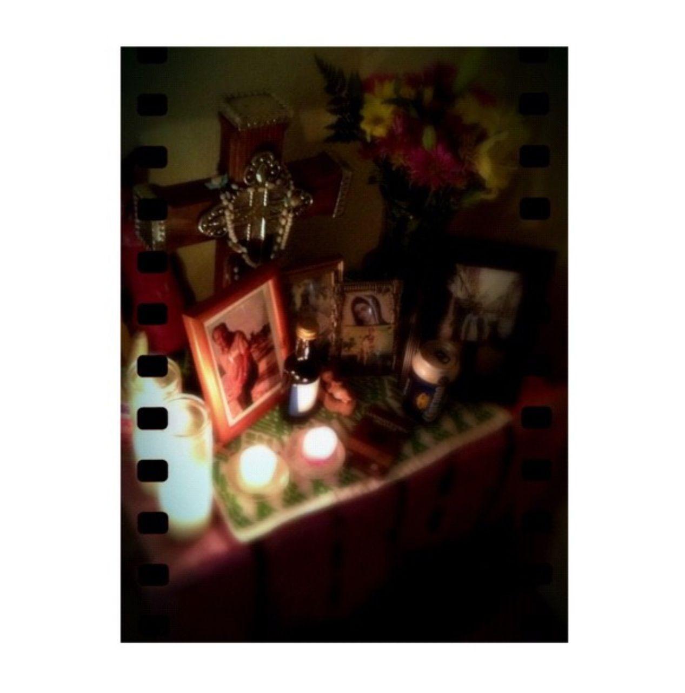 Hoy 2 de noviembre, celebrando el día de los muertos y extrañando a muchos.