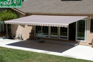 Attirant Wall Mounted Retractable Awning