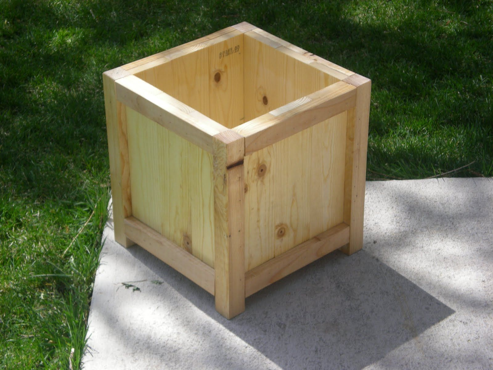 Simple wooden planter box to make home pinterest for Home garden box design