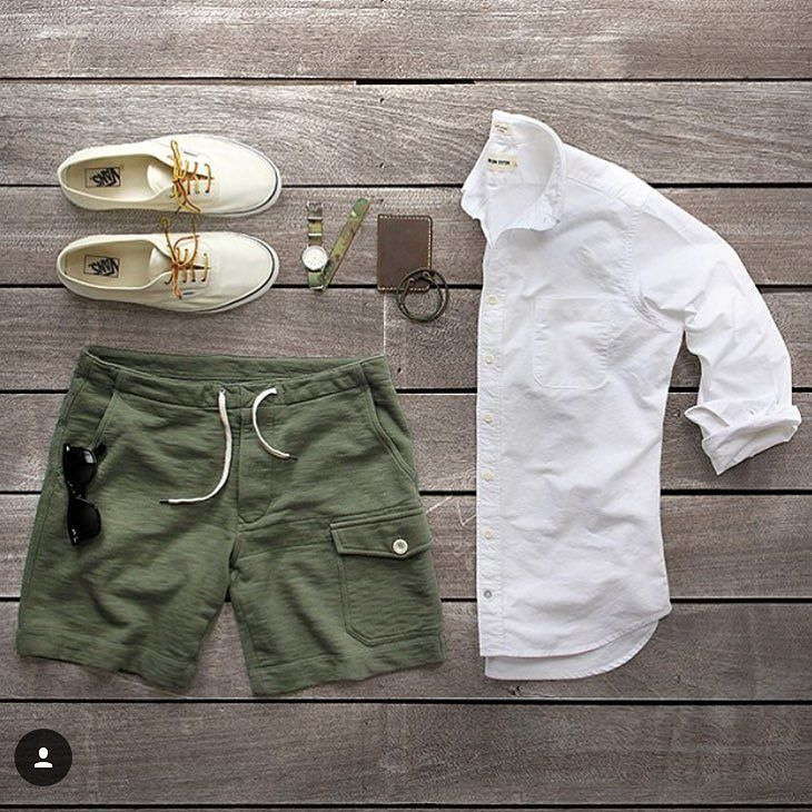 Summer is fleeting which means it's perfect sworts weather. Awesome green grid…