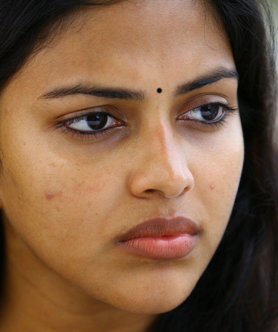 indian hot girl amala paul face closeup photos without makeup