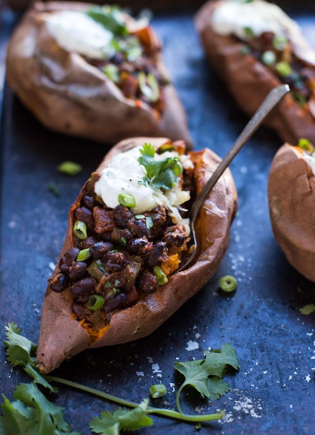 Black Bean Chipotle Stuffed Sweet Potatoes + 5 Healthy Sweet Potato Recipes #healthy #vegetarian #recipe