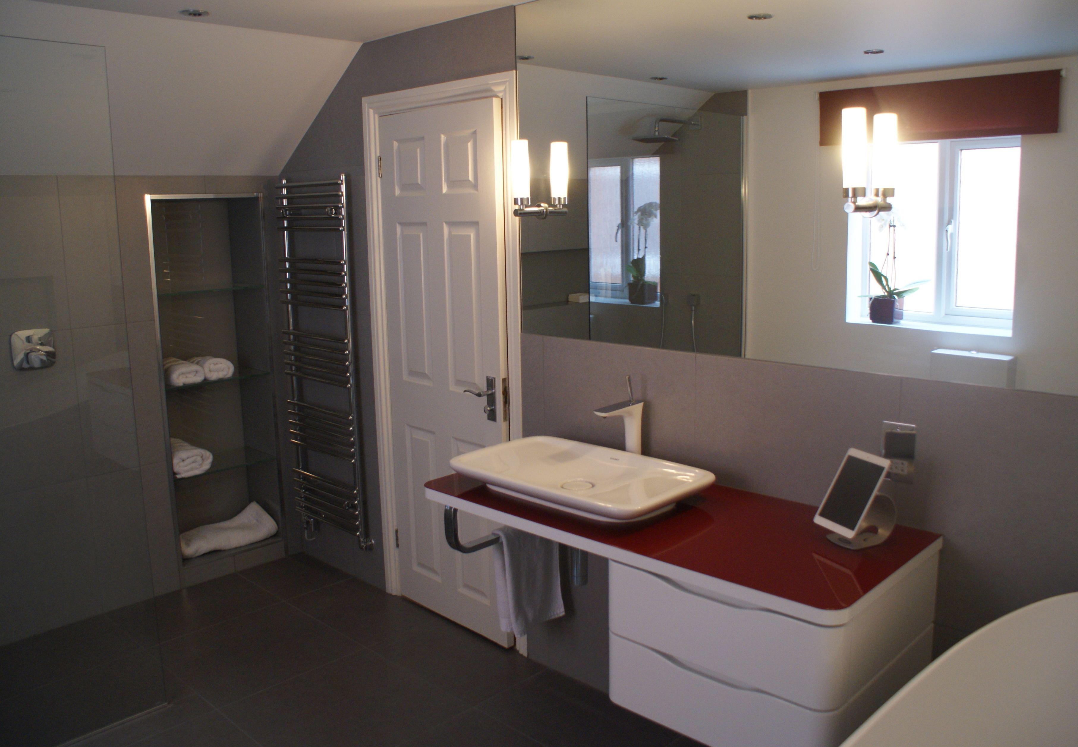 Duravit Puravida Console in White Red gloss Bathroom designed