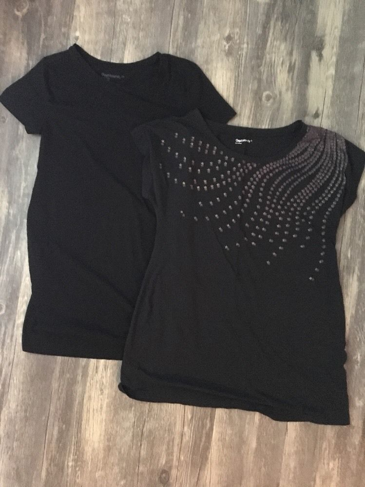 1df1cd2a2e Lot of 2 Gap Maternity Short Sleeve T-Shirt Tops Size Medium (XS) (S) Gap  Body