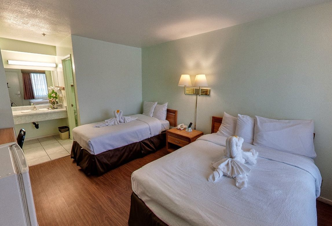 Oceanview Motel Huntington Beach Double Bed Room Completely Non Smoking Property Features Comfortable Accommodation In