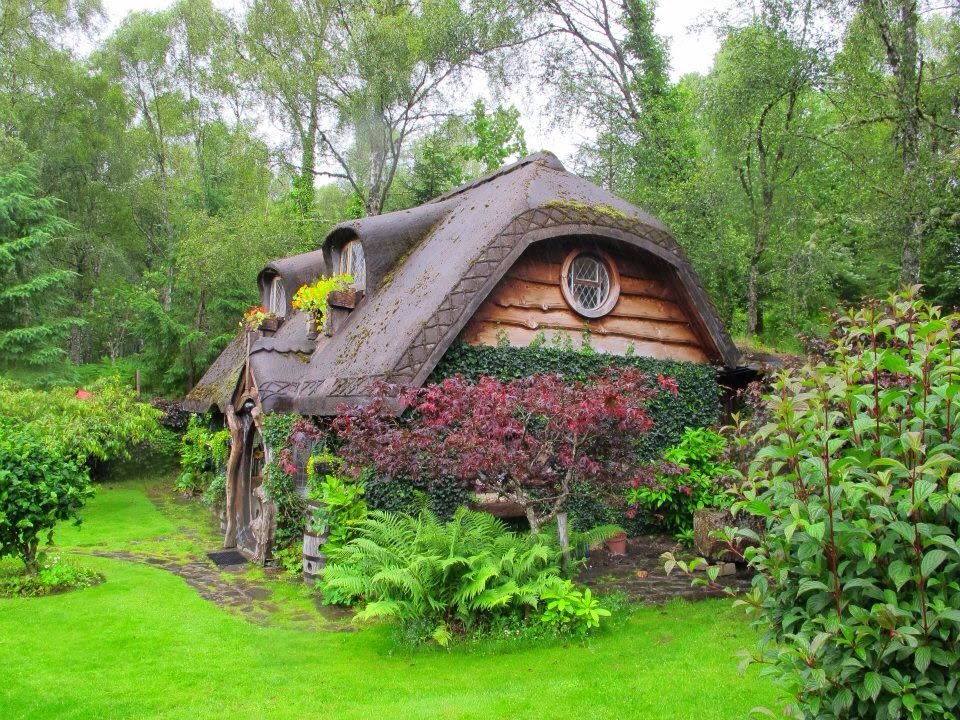 Hobbit house somewhere in the highlands scotland for Scottish highland castle house plans