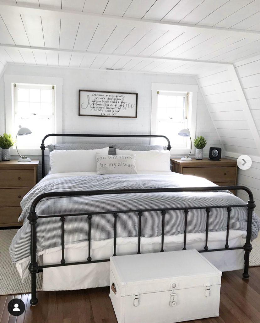 Pin By The Farmhouse Fanatic Home D On Komnata Vannaya I Shkafy Coastal Master Bedroom Rustic Bedroom Home