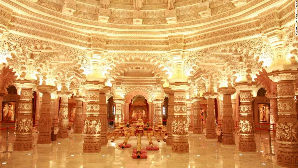 Hindu Temple In Wembley Middlesex Uk With Images London