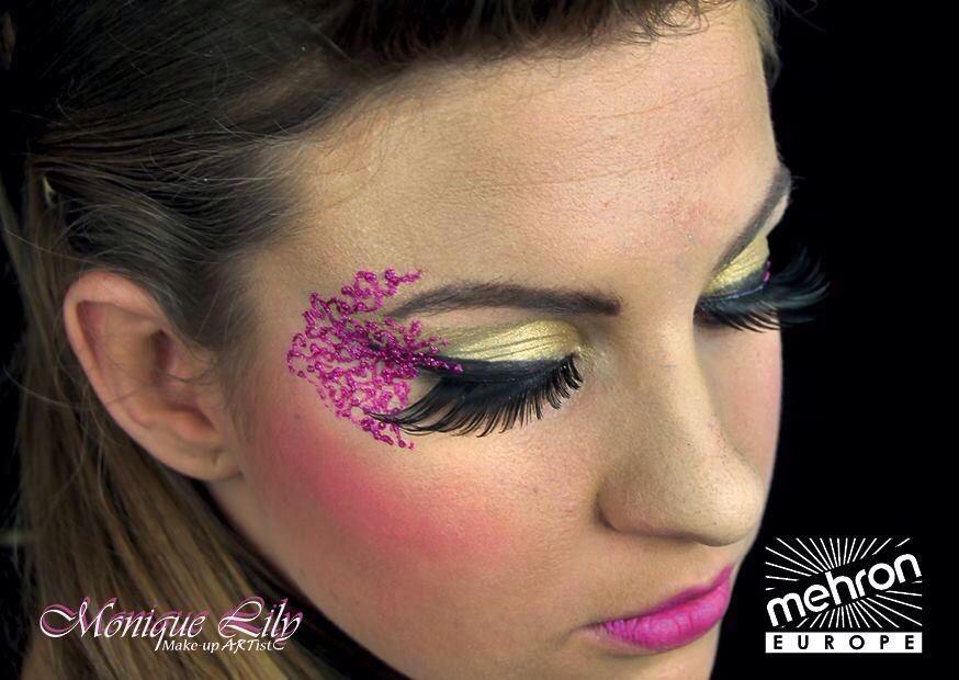 #MoniqueLily #eyedesign #MehronEurope #paradise makeup AQ black,  brilliant doré  - #Mehron #GlitterMark fuchsia  - Mehron eye lashes