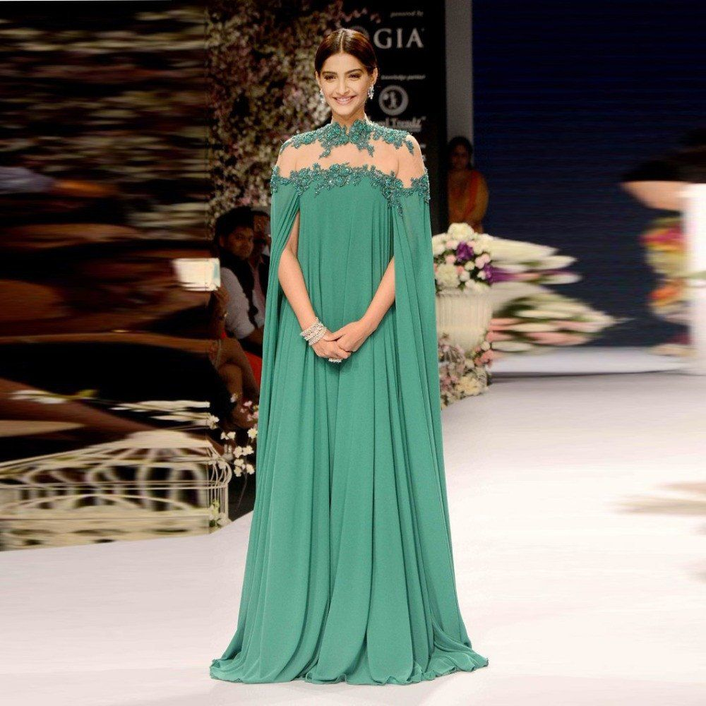 Bollywood Actress Sonam Kapoor Indian Green Evening Dresses Sleeves ...